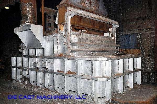 3,000 pound/hour reverberatory aluminum melting furnace