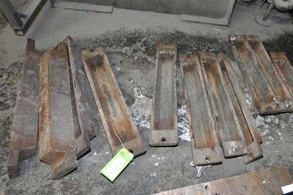 Used IngoTech Type IT-30 30 Pound Cast Iron Ingot Mold For