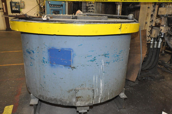 Picture of Dynarad EC-1500 Electric Heated Silicon Carbide Crucible Type Aluminum Melting & Holding Furnace For Sale DCMP-4280