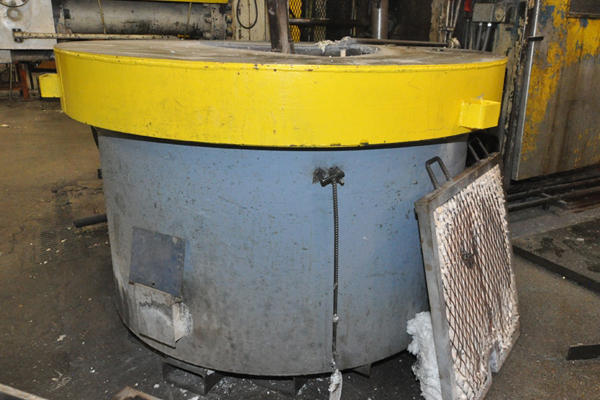Picture of Dynarad EC-1500 Electric Heated Silicon Carbide Crucible Type Aluminum Melting & Holding Furnace For Sale DCMP-4309