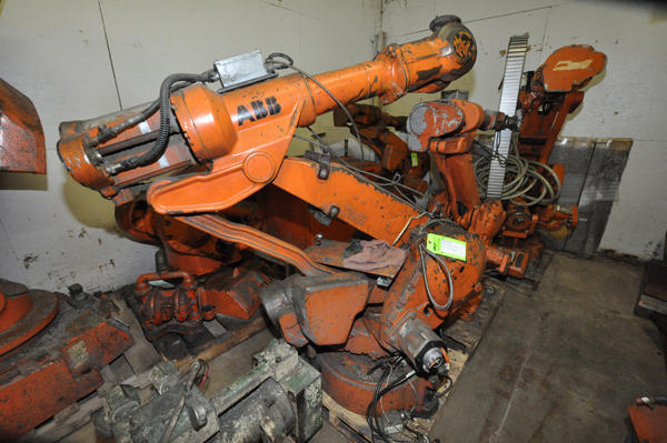 Used ABB IRB 4400/60 60 Kilogram Six Axis Industrial Robot