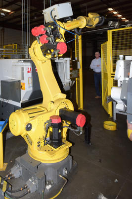 Used Fanuc Robotics S-430iW S-430iW_165 KG Six Axis Robot with