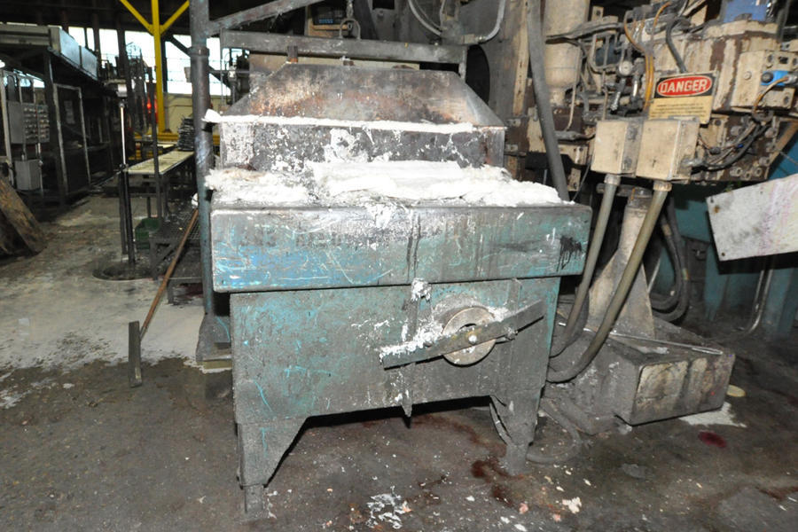 Picture of Dynarad EH-1700 Low Energy High Efficiency Electric Heated Aluminum Holding Furnace For Sale DCMP-4528