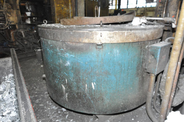 Picture of Dynarad EC 2400 Electric Heated Silicon Carbide Crucible Type Aluminum Melting & Holding Furnace For Sale DCMP-4539