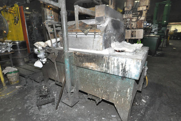 Picture of Dynarad EH-1700 Low Energy High Efficiency Electric Heated Aluminum Holding Furnace For Sale DCMP-4547